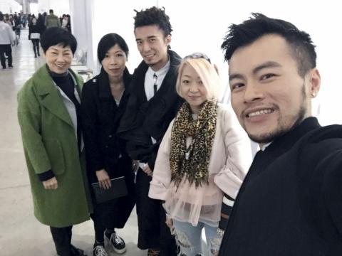 4月在上海周與香港年輕精英時裝設計師。