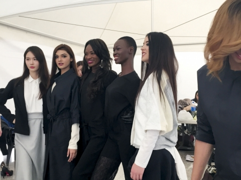 5月在首爾參演fashion show。