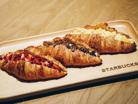 食物方面亦有獨家的牛角包甜點,芒果、馥莓及朱古力3種口味帶來不一樣的食感。