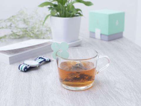 排毒祛濕茶Detox Tea, 針對新陳代謝減慢及毒素積聚問題。配方含有機巴西莓、有機紅薏仁和有機糙米等,有助排健脾去濕及消脂去水腫等。HK$168/每盒10包 (Tea Sixty)