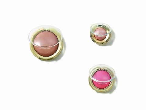 MINI DIVAS迷你乾濕兩用烘焙眼影及烘焙胭脂,質感順滑。(眼影全4色,各HK$69。胭脂全2色,各HK$89。)