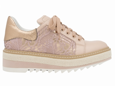millie's lace 厚底oxfords (粉紅) $1,599