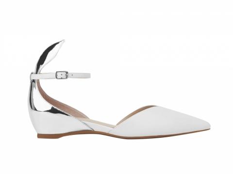 millie's 銀白兔仔耳平底鞋 $1,199