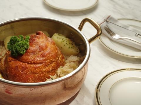 pork knuckle Ritz Carlton macau