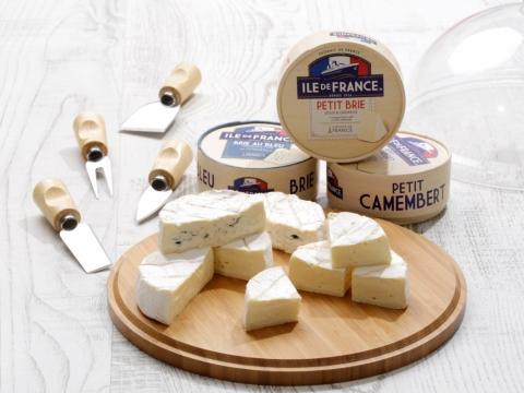 法國亞丁省是法國芝士製造的重點區域,Savencia旗下品牌生產的「ILE DE FRANCE迷你比爾芝士」帶著點點果仁味,「ILE DE FRANCE比爾藍芝士」帶有陣陣藍芝士香,而「ILE DE FRANCE迷你金文畢芝士」的軟熟口感則甜而不膩。