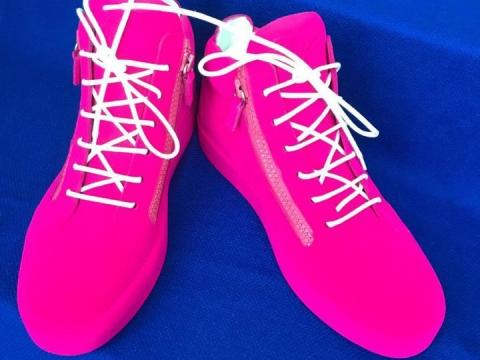 Wymna卒先在IG哂最新Unfinished sneaker。