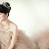 婚紗我最看重剪裁,要能突出腰部線條才漂亮,最好是較傳統和簡單的設計。用料要很飄逸,給人很輕的感覺最好。