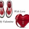 踏破鐵鞋無覓處,得來紅色靚心心